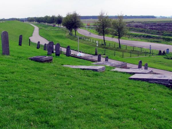 De begraafplaats op de dijk bij Ooterdum