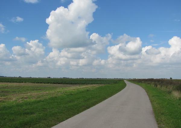 Prachtige wolken boven het Groningerlandschap.