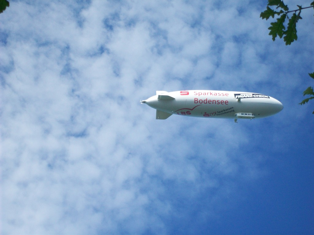 Een Zeppelin boven het Bodemmeer.