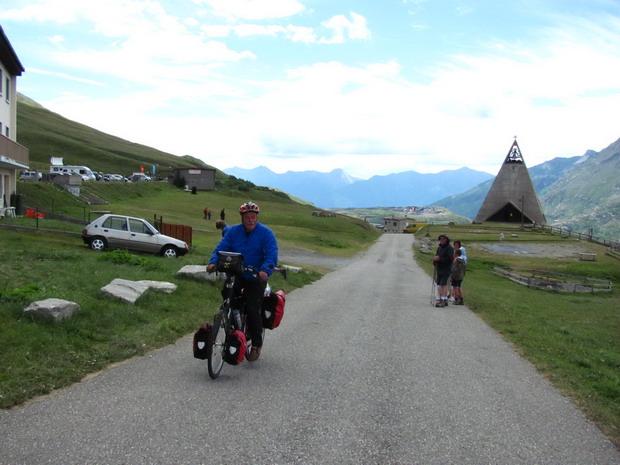 Aaankomst op de pas Col du Mont Cenis