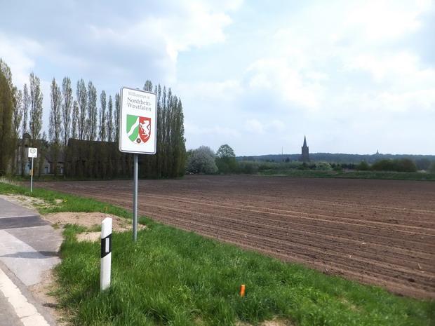 Elten met de kerken van Laag en Hoog-Elten.