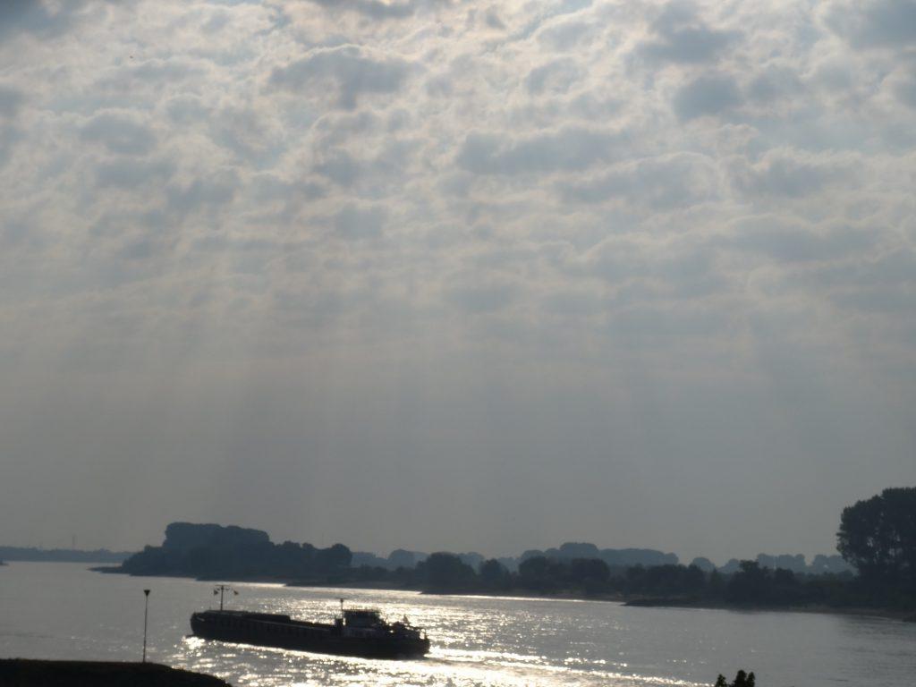 De Rijn bij Lobith/Tolkamer